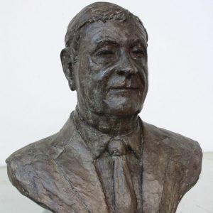 Bronzen portret van Paul Scholz hoogte 40 cm- opdracht