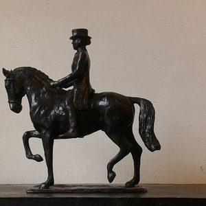 Dressuur - brons formaat 30 cm hoog