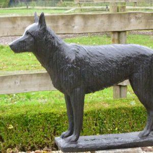 Herdershond Tipper, brons, in opdracht gemaakt 2013
