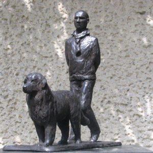 Man met hond, ca 25 cm hoog