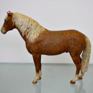 Haflinger, ca 30 cm hoog, brons