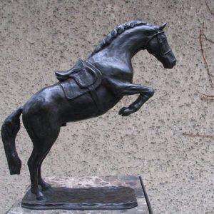 Springend paard, ca 45 cm hoog