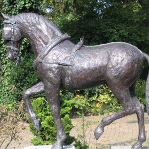 Tuigpaard in opdracht- brons - stokhoogte 120 cm